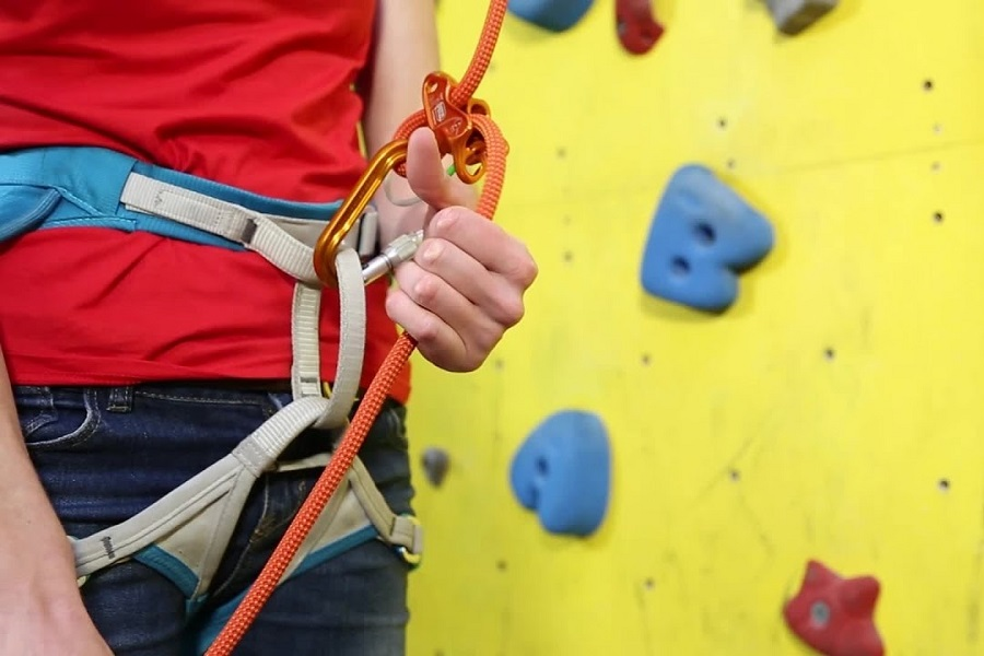 A Guide To Ensuring Proper Climbing Safety