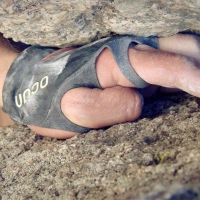 How To Find The Best Pair Of Climbing Gloves